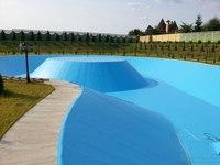 Частный бассейн - пруд